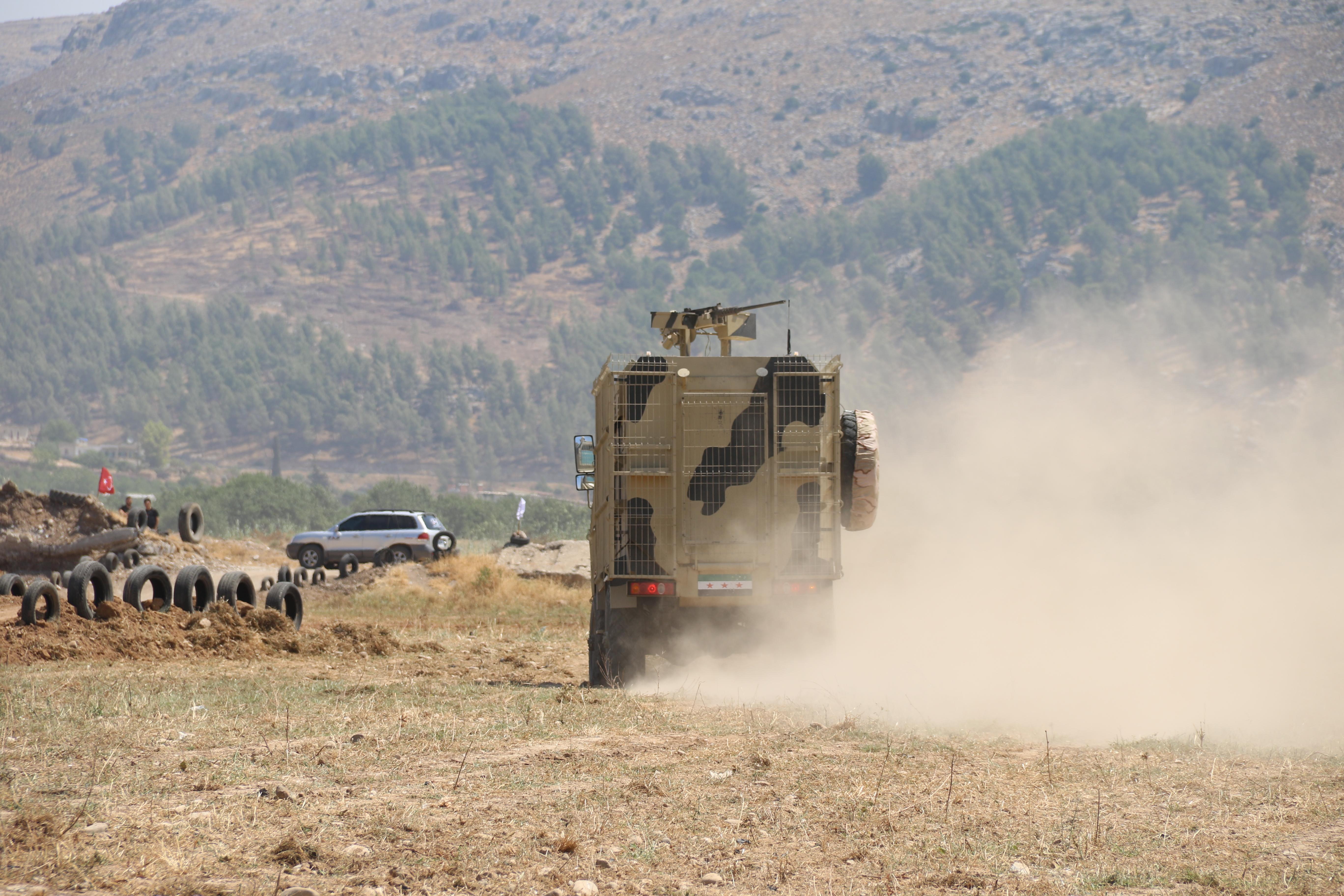 مقتل جندي وجرح 11 آخرين جراء استهداف رتل تركي شمالي إدلب