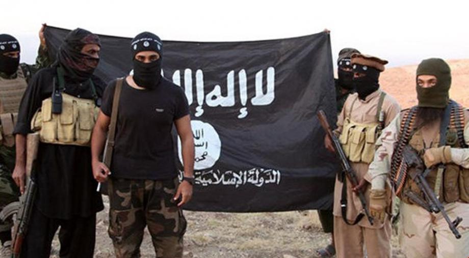 """""""تنظيم الدولة"""" يتبنَّى قتل إمام مسجد في دير الزور"""
