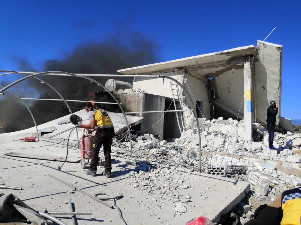 """ضحايا من """"الدفاع المدني"""" بقصف مدفعي على """"قسطون"""" في ريف حماة"""