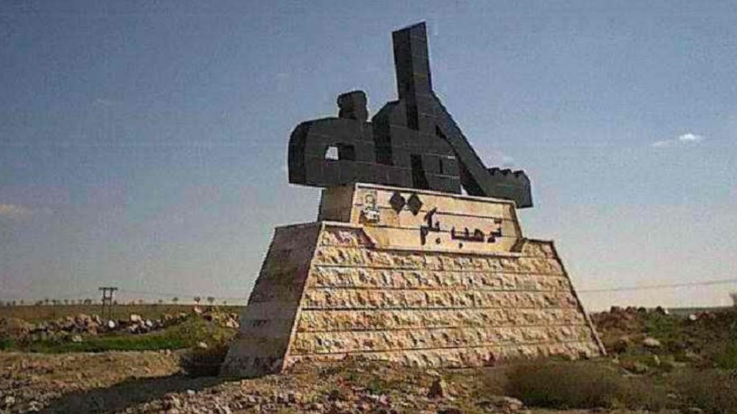 """حماة.. رجل يُطلِق النار على ابنه """"العسكري"""" ثم ينتحر!"""