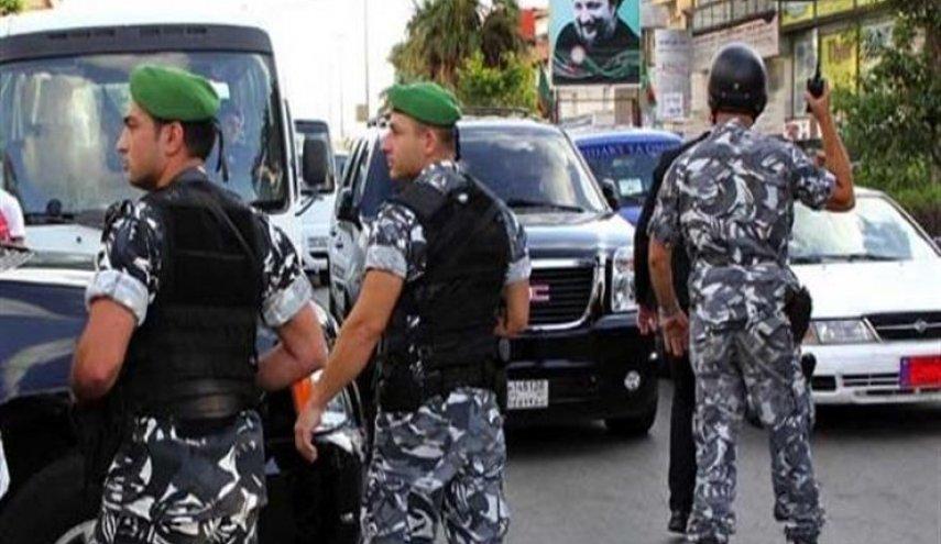 لبنان يُمهِل 6 سوريين 24 ساعة للرحيل عن أراضيه
