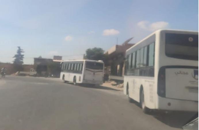 قافلة من مهجَّري درعا تصل إلى مخيم الكرامة في إدلب