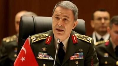 وزير الدفاع التركي يؤكد التزام تركيا باتفاق إدلب