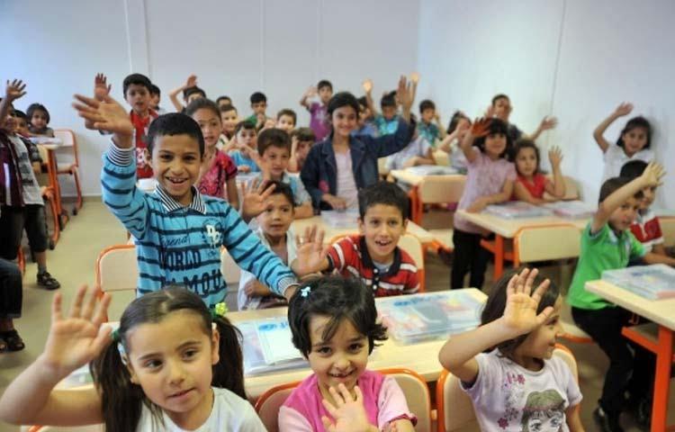 التربية التركية تكشف أعداد الطلاب السوريين في المدارس التابعة لها