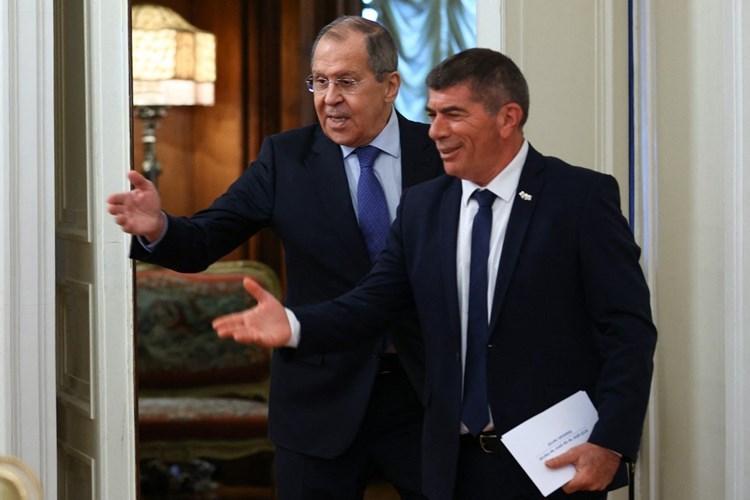 مباحثات إسرائيلية-روسية لوقف تموضع إيران في سوريا
