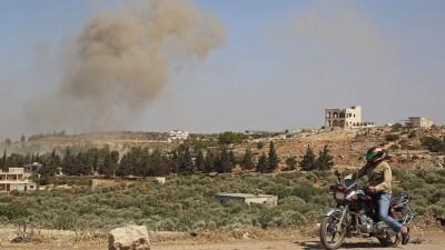 طائرات حربية روسية تقصف ريفَيْ حلب وإدلب