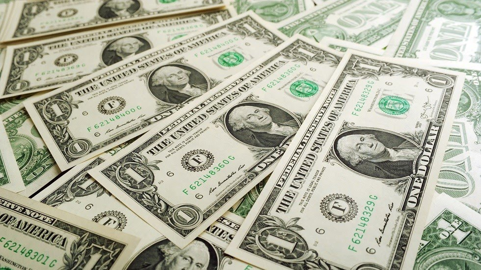 تراجُع مستمرّ في قيمة الليرة السورية