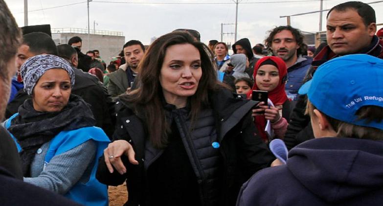 انجلينا جولي تنضمّ لإنستغرام.. وتتحدث عن معاناة الأفغان بعد دفاعها الطويل عن السوريين