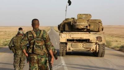 """بإسنادٍ جوي روسي.. قوات الأسد تشنّ هجوماً على تنظيم """"داعش"""" في البادية السورية"""