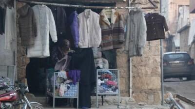 يوميات مواطن سوري.. مع اقتراب فصل الشتاء أسعار الملابس تُحلِّق في درعا