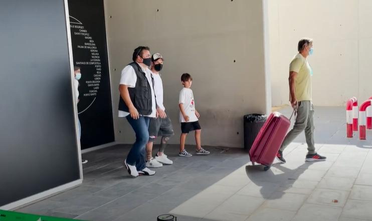 ميسي يعود إلى برشلونة