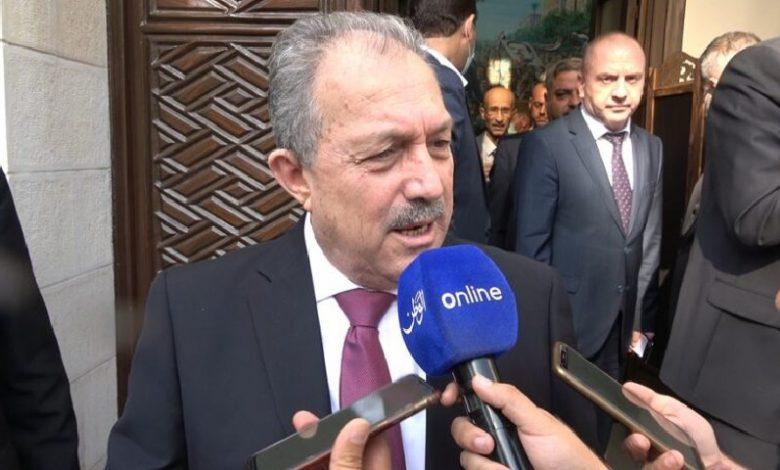 رئيس حكومة الأسد يُطالِب إيران بزيادة مشاريعها في مناطق سيطرتها