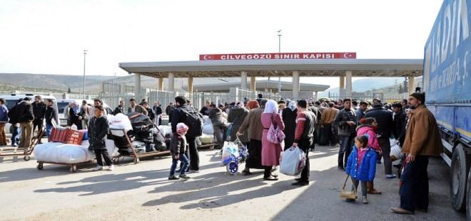 """والي """"عنتاب"""" يفتح الإجازات للسوريين في غير أيام الأعياد"""