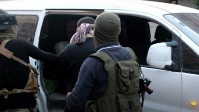 جهاز الأمن العامّ بإدلب يُلقِي القبض على أفراد عصابة خطف