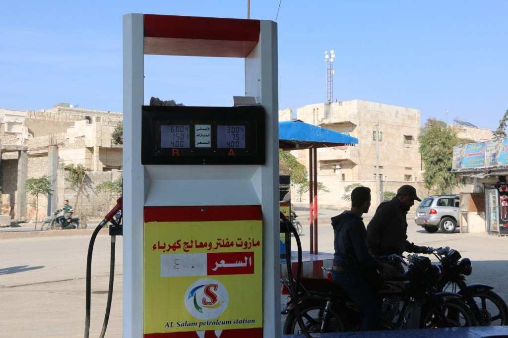 وصول كميات كبيرة من البنزين بعد انقطاعه لعدة أيام في شمالي سورية