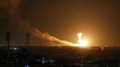 """""""يديعوت أحرونوت"""": الغارات الإسرائيلية على سورية أحرجت روسيا وأثبتت عجز دفاعاتها"""
