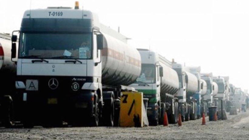 صهاريج الوقود العراقية تعبر سورية في طريقها إلى لبنان بحماية إيرانية