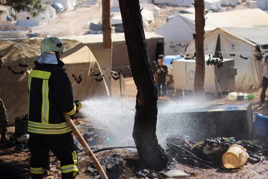 الدفاع المدني السوري يعلن إطفاء 6 حرائق خلال يوم واحد في شمالي سورية