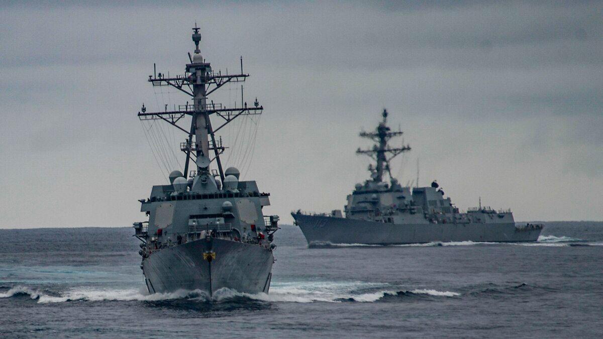 """الولايات المتحدة ترسل مدمرتين حربيتين إلى البحر الأسود.. وروسيا """"قلقة"""""""