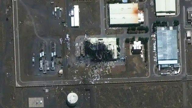 """تقرير عبري: """"الموساد"""" مسؤول عن تفجير مفاعل """"نطنز"""" الإيراني"""