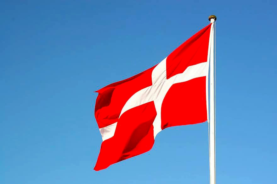 سوريين في الدنمارك يدعون لمظاهرات تنديداً بسحب إقاماتهم