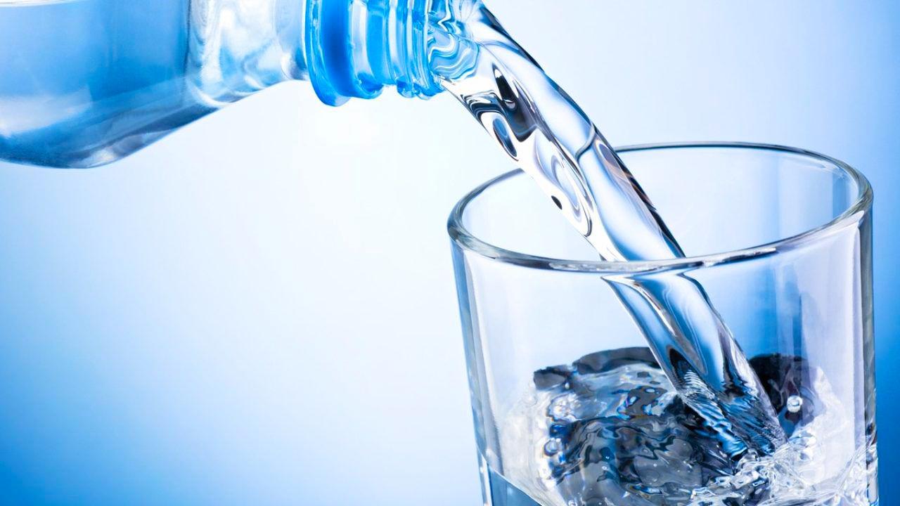 مع دخول شهر رمضان.. تحذيرات من الإفراط في شرب الماء