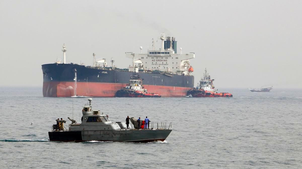 تشكيل غرفة عمليات لنقل النفط الإيراني إلى النظام السوري