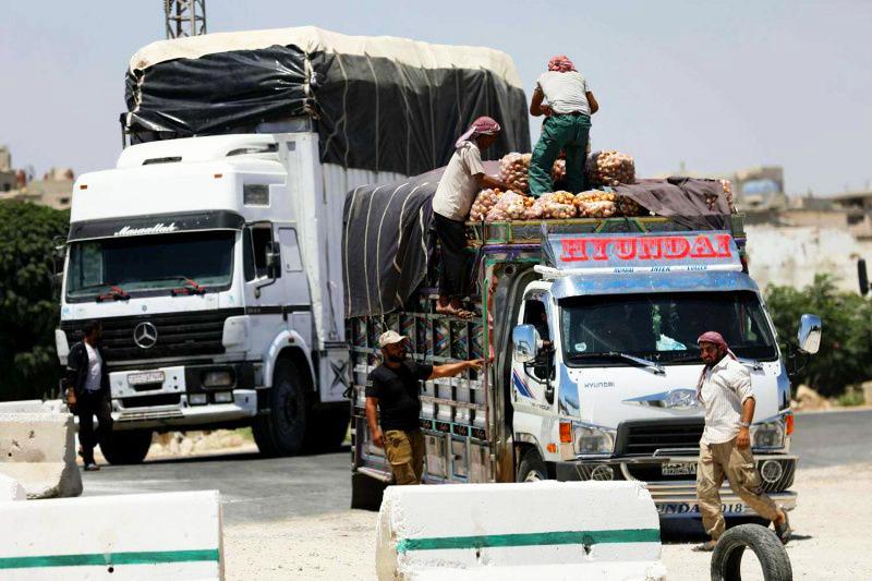 ثلاثة عوائق تمنع افتتاح معابر بين إدلب والمناطق الخاضعة للنظام السوري