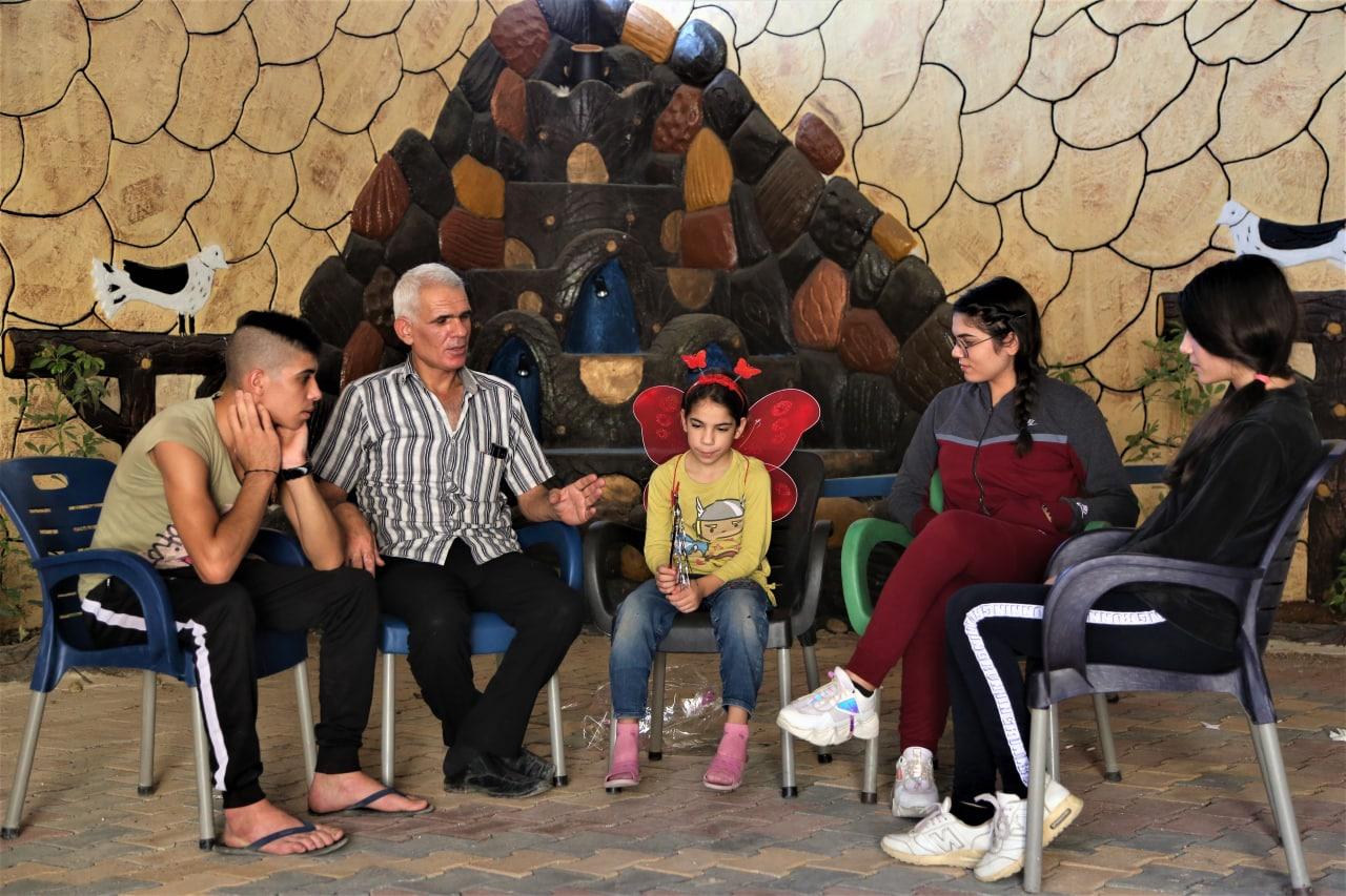 """هرباً من النظام السوري.. عائلة مسيحية من """"السقيلبية"""" بريف حماة تصل إلى """"عفرين"""" شمال حلب"""