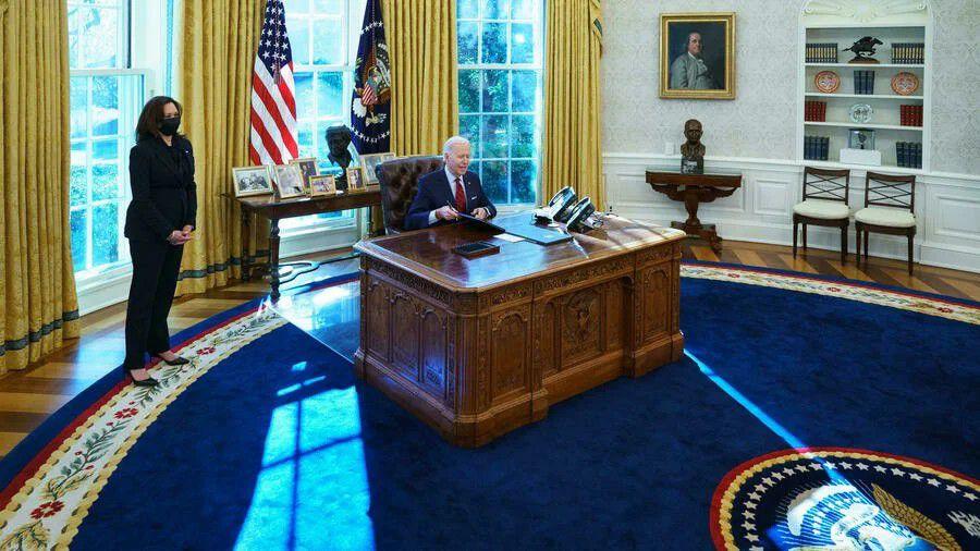 """اجتماع رئاسي في واشنطن بعد تطورات أفغانستان.. وسيناتور يدعو لـ""""تدمير طالبان"""""""