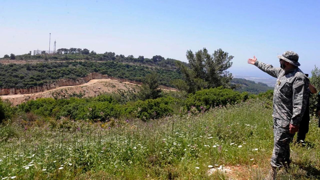 """""""حزب الله"""" يزرع الحشيش في دير الزور"""