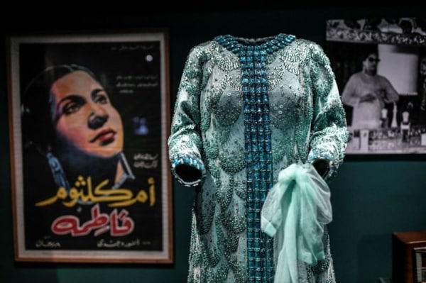 معرض في باريس للتعريف بنجمات الغناء العربي