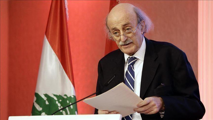 وليد جنبلاط يتهم أذرع إيران بتفجير أنبوب النفط شمالي لبنان