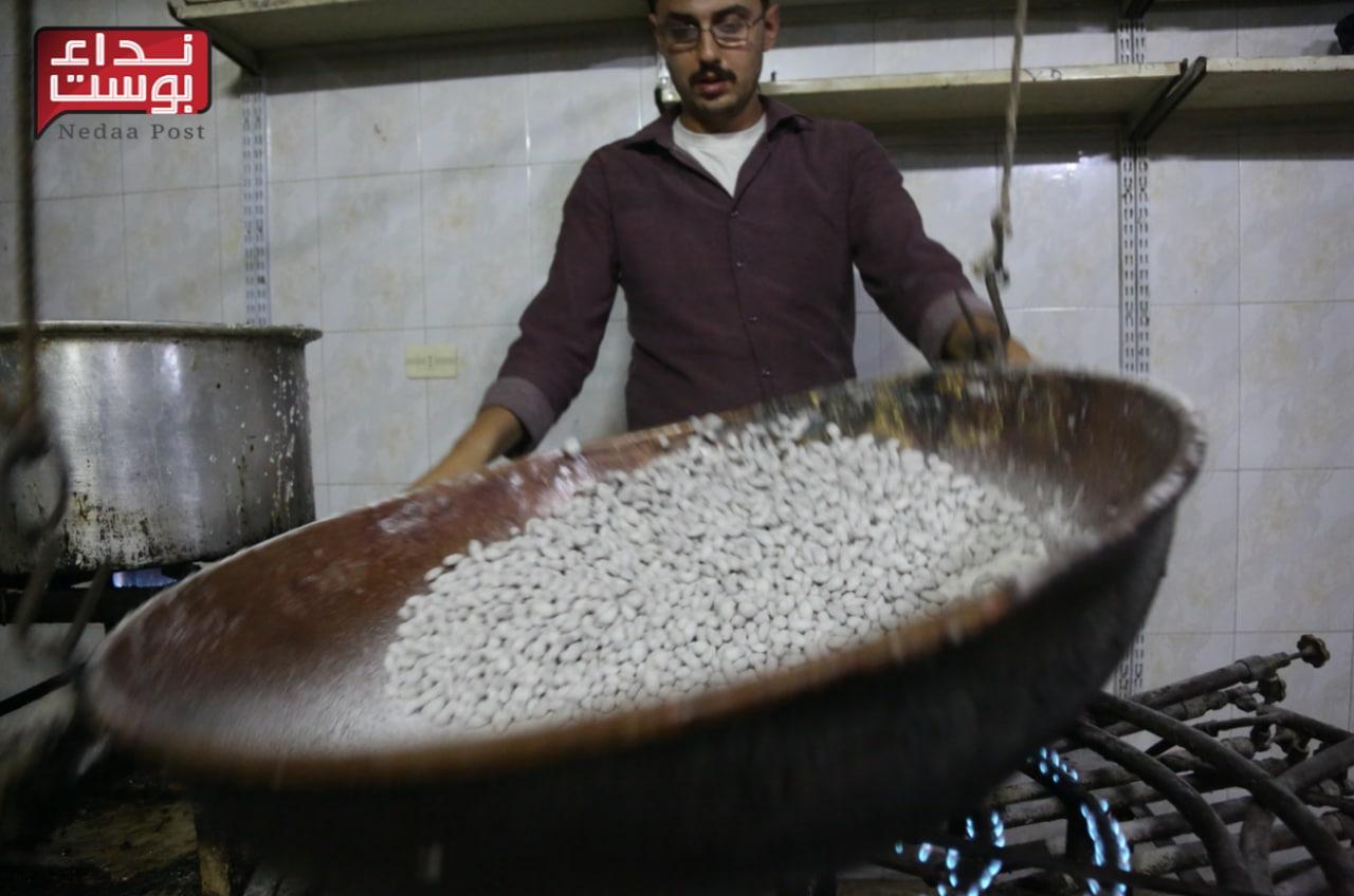 صناعة الملبّس.. مهنة عريقة في إدلب يتوارثها الأحفاد عن الأجداد