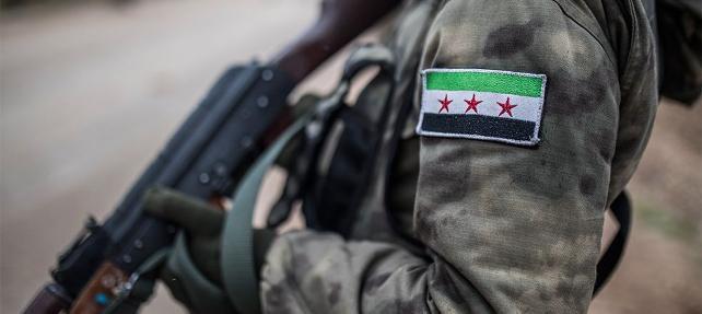 """الجيش الوطني يأسر عنصراً من """"الحرس الجمهوري"""" شرقي حلب (صور)"""