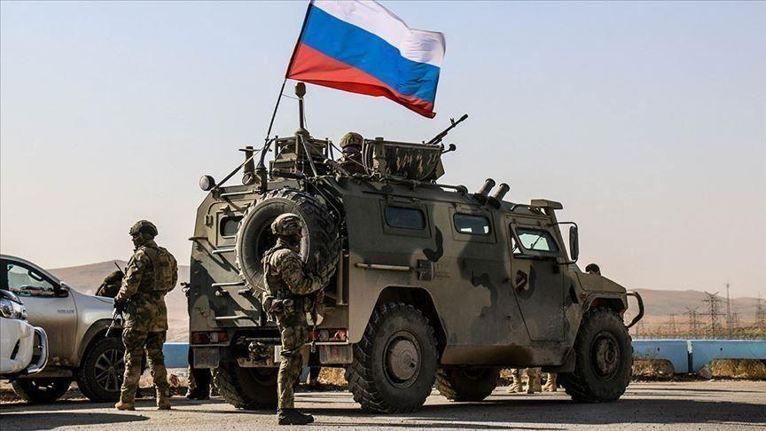 مقتل جندي روسي بتفجير عربة مدرعة في حمص