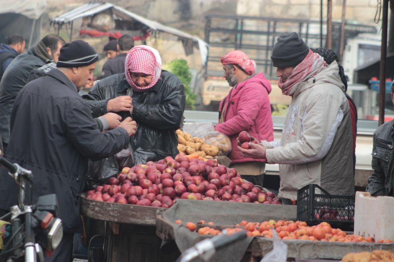 """حكومة الإنقاذ تُؤجِّل افتتاح المدارس بسبب انتشار فيروس """"كورونا"""" في إدلب"""