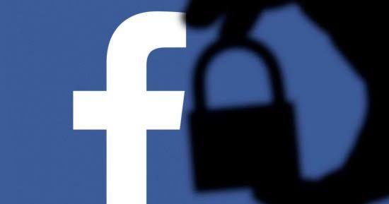 """""""أبل"""" تهدّد بإزالة """"فيسبوك"""" من متجر """"أب ستور"""""""