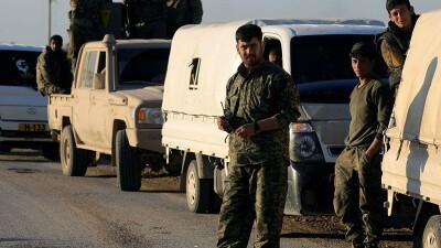 """تعزيزات للنظام السوري و""""قسد"""" تصل عين عيسى"""