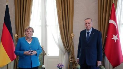 ميركل تصل إلى تركيا في زيارة وَدَاعيَّة قبل مغادرة منصبها (صور)