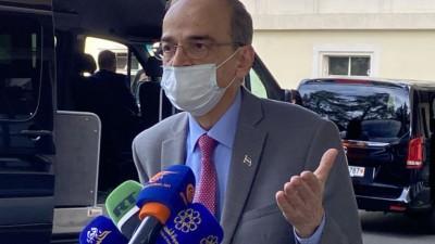 هادي البحرة يُوضِّح سبب ذهابه إلى قنصيلة النظام السوري في جنيف