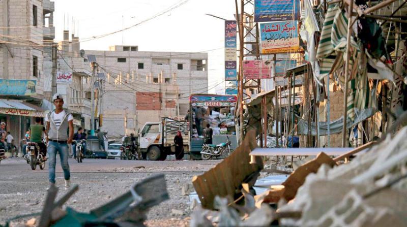 عشائر درعا تدعو عناصر النظام السوري في المحافظة إلى الانشقاق عنه