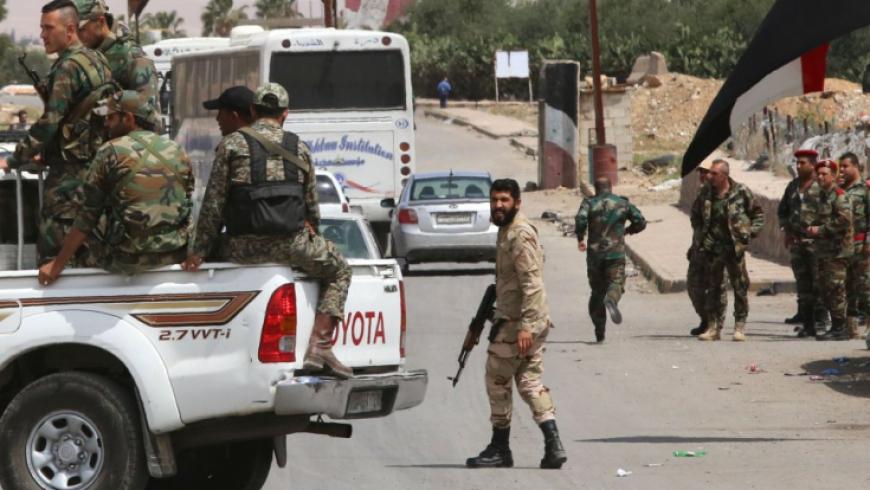 """قوات الأسد تدخل """"اليادودة"""" وتبدأ تفتيش المنازل"""