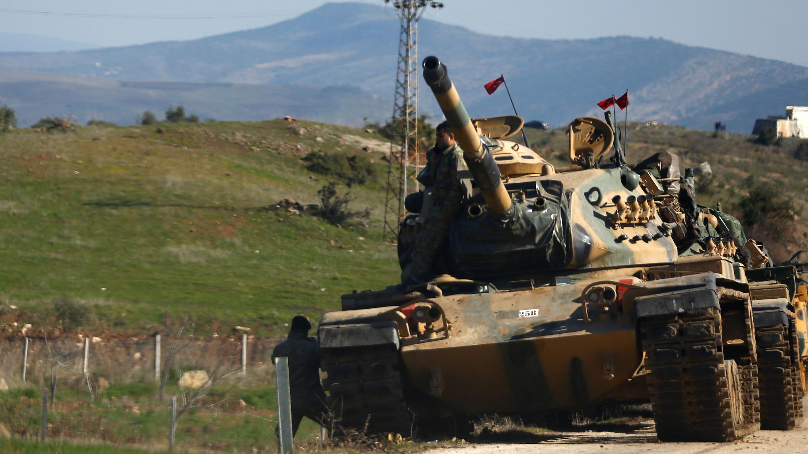 """تدمير 20 موقعاً لـ """"قسد"""" شمالي سوريا بـ """"طلقات عقابية"""" تركية"""