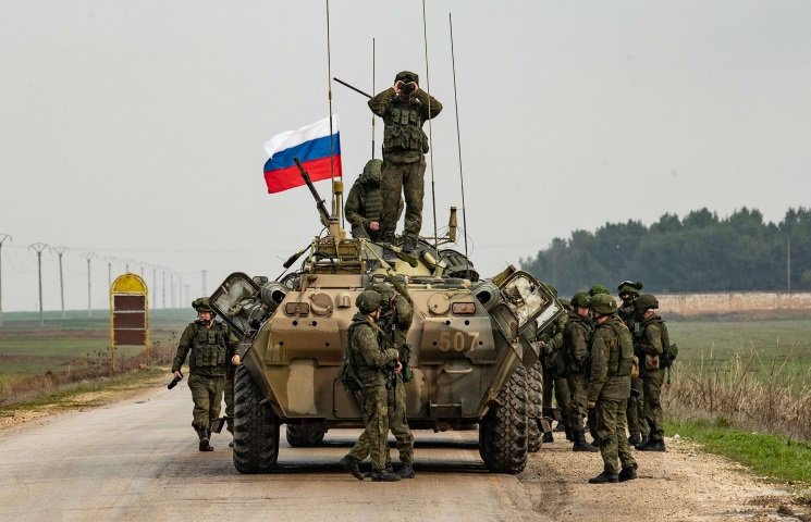 إيران وروسيا.. تعزيزات عسكرية شرقيّ حمص وسط تنافُس على النفوذ والسيطرة