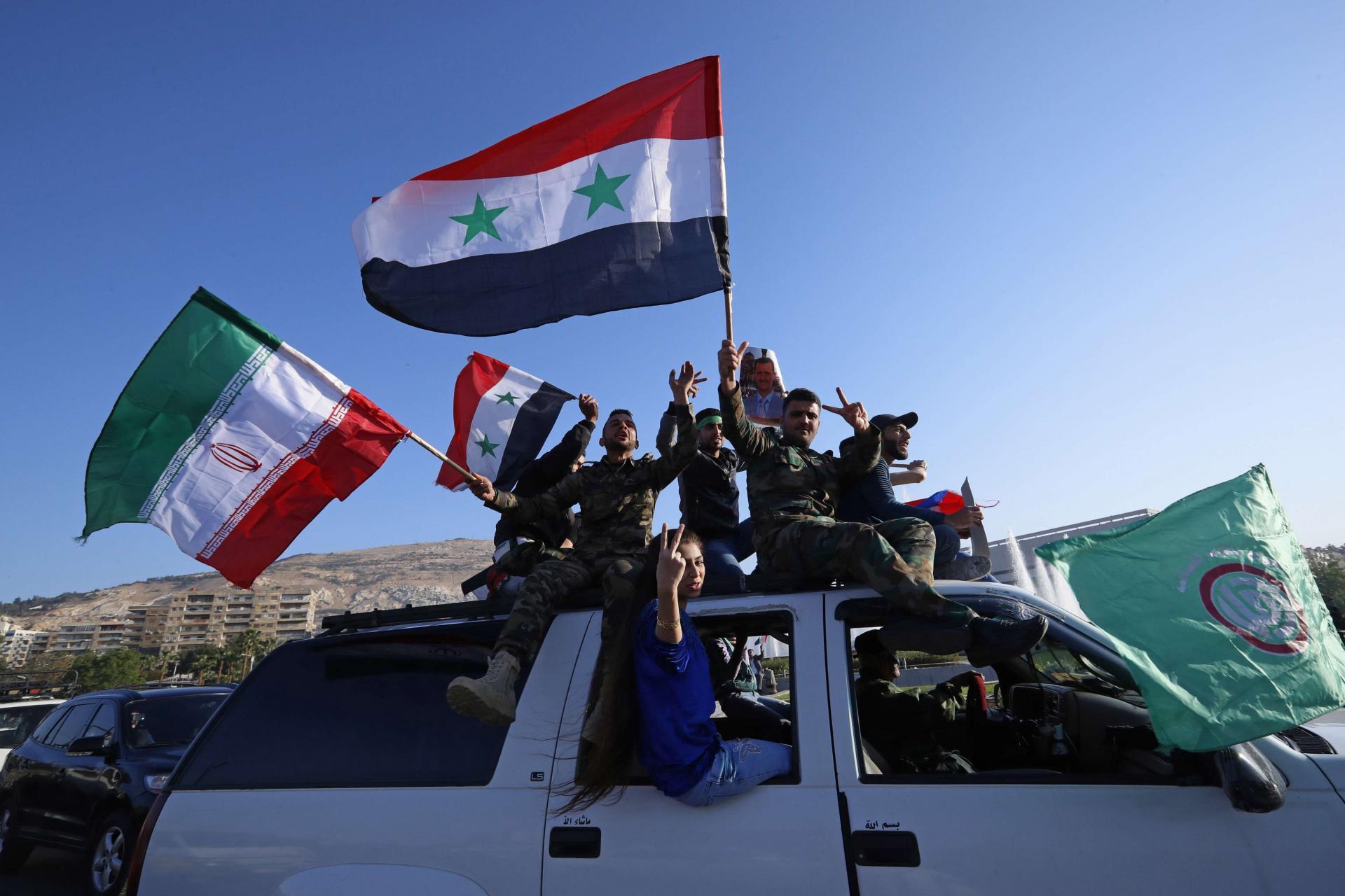 النظام السوري يراجع ملف 18 ألف مجنس من الميليشيات الإيرانية