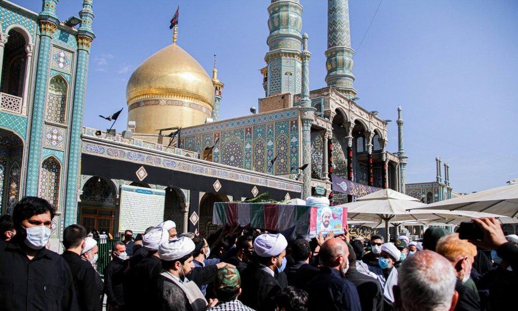إيران تُشيِّع رجل دين قُتل خلال معارك سورية قبل أعوام