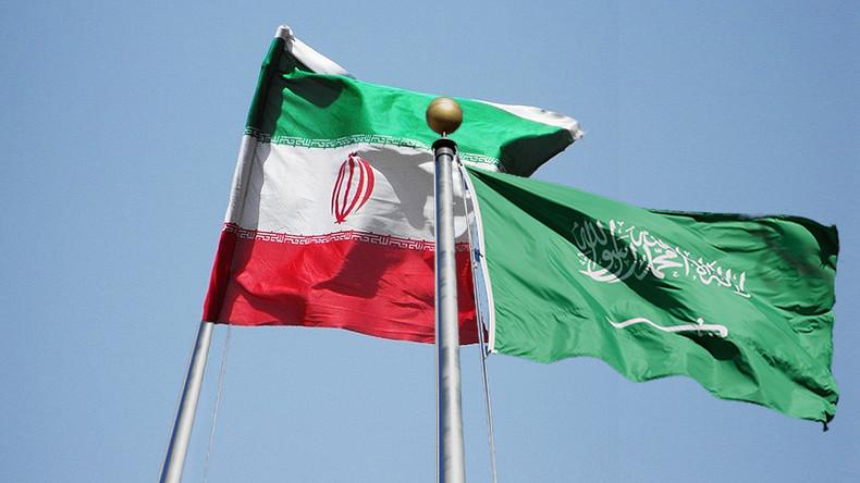 """صحيفة: مسؤولون سعوديون وإيرانون أجروا محادثات لـ """"إصلاح العلاقات"""""""