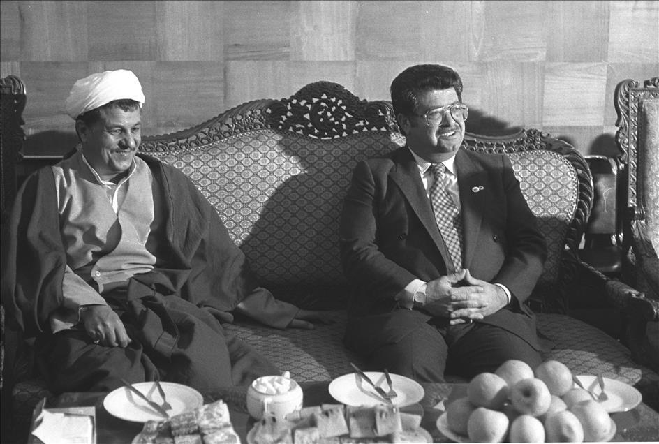 """""""تورغورت أوزال"""" والعلاقات التركية - الإيرانية"""